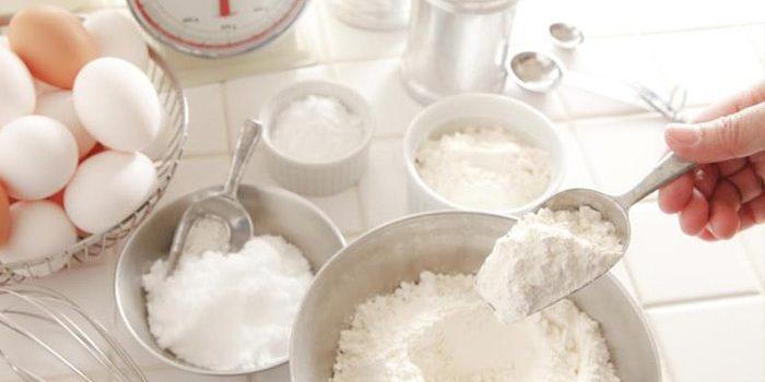 Bel sladkor in moka